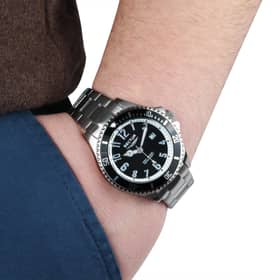 SECTOR 230 WATCH - R3253161025